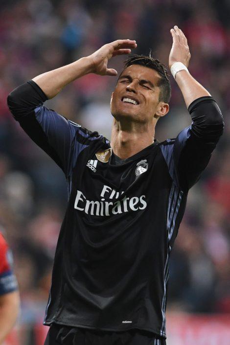 Fussball, Fußball, Soccer, Sport, sports, Real Madrid, UEFA Champions League, Enttäuschung, Dämpfer, Ernüchterung, Frustration, Misserfolg, Niederlage, fassungslos, ernüchtert, Gefühle, fühlen, frustriert, Spieler, Weltfussballer, Weltfußballer, Emotion, Emotionen