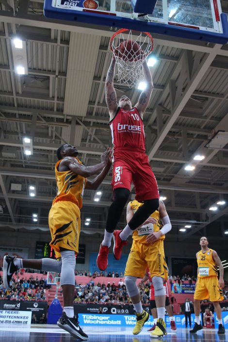 Basketball, Sport, sports, Dunk, dunking, Hangtime, Einzelaktion, mit dem Ball, Brose Bamberg, NBA, Spieler, Player