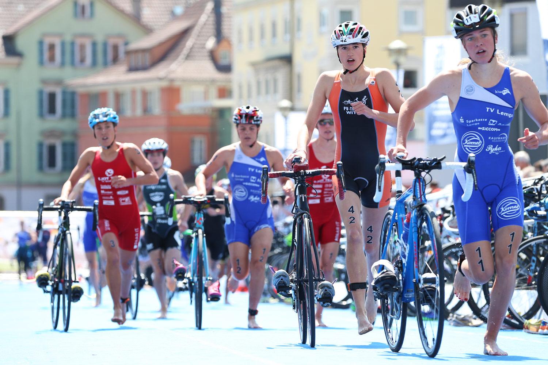 Triathlon Bundesliga, Radsport, Radfahren, Road Bike, Road, Tübingen, Wechselzone, Kulisse, Rennrad, schnell, fast