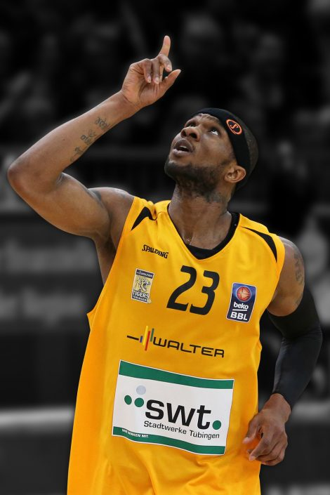 Basketball, Sport, sports, Jubel, Glücksmoment, Freude, Freudenausbruch, Gefühle, fühlen, Erfolg, Emotion, Emotionen, emotional, God, Gott, Walter Tigers Tübingen, Spieler, Player, easyCredit BBL, easyCredit Basketball Bundesliga