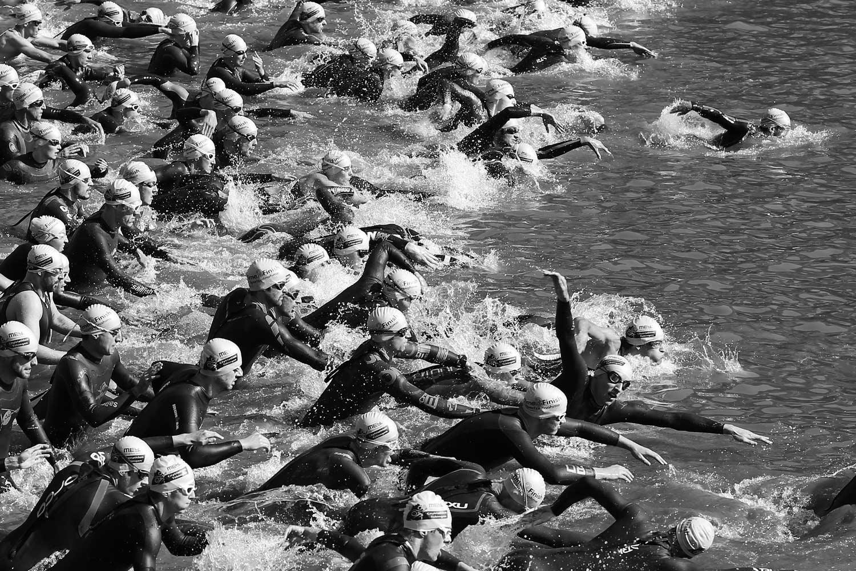 Triathlon Bundesliga, Schwimmen, Schwimmdisziplin, Tübingen, Wasser, Neckar, Badekappe, Badekappen